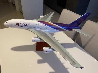Thai Aiways huge model plane