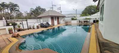 Beautiful Pool villa land size 1,012 SQM. for sale in East sukhumvit