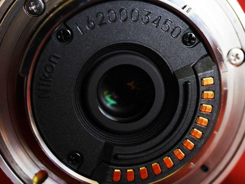 Nikon 1 Nikkor VR 6.7-13mm F/3.5-5.6 Lens in Box - Silver