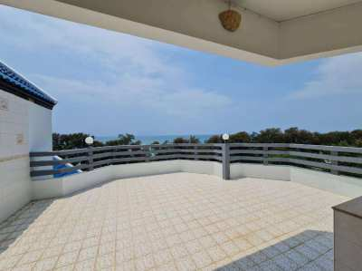 Condo Overlooking Ocean with Big Balcony