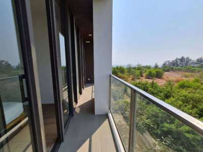 Nice Designed Condominium with Spacious Ocean View Balcony