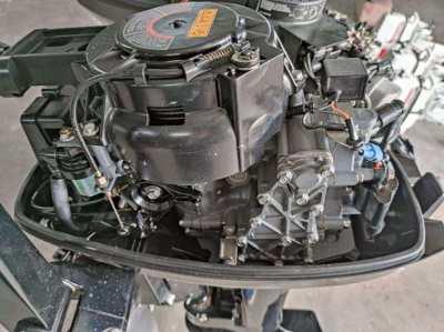 Suzuki 2-stroke 15hp Outboard Engine