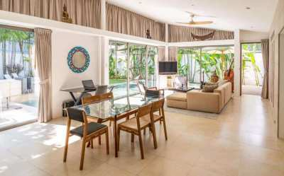 Great Location near Artisan and a few minutes from LAYAN BEACH