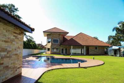 Pool villa with large land