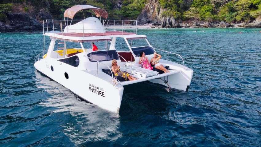 34ft Power Catamaran (like new)