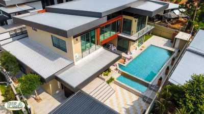 Modern 2 storey pool villa with land size 141 TW or 564 SQM.