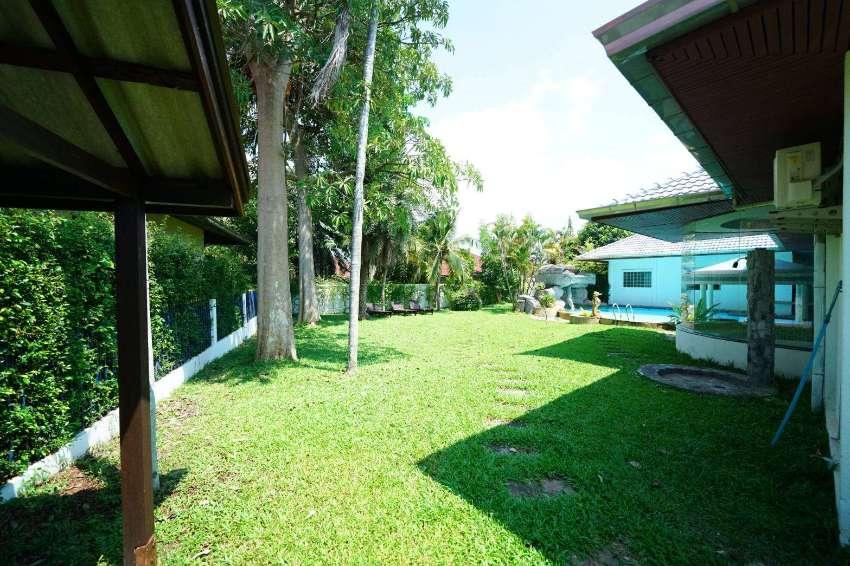 Pool Villa for Sale in East pattaya (383 wah plot !)
