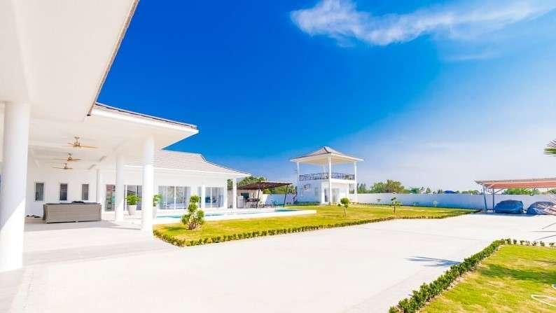 Brand New Fully Furnished Luxury 5 BR 6 Bath Pool Villa on Big Plot!