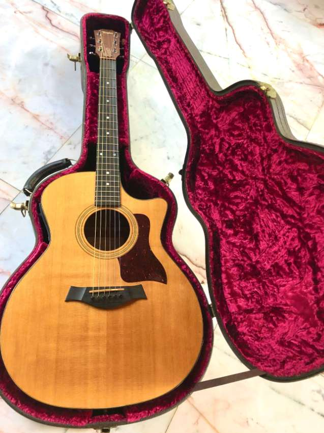 Taylor 314 CE  : Acoustic Electric Guitar