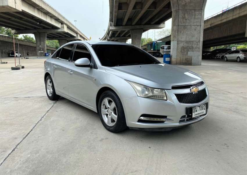 2011 Chevrolet Cruze 1.6 LS   / 169,000