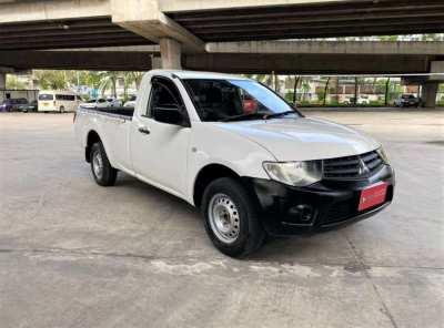 2013 Mitsubishi Triton 2.4 petrol MT