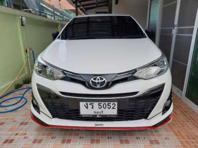 ขาย รถเก๋ง Toyota Yaris รุ่น G ตัวท๊อปสุด สีขาว ปี2019