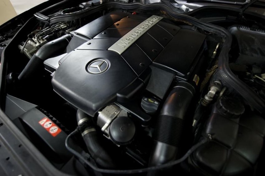 MB  CLS500  V8 5.0L  302 Hp  7 speed