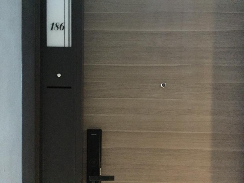 ขายคอนโดพร้อมอยู่ เดอะรูม สาทร-เซนต์หลุยส์ ชั้น 14 วิวสระว่ายน้ำ ราคาถ