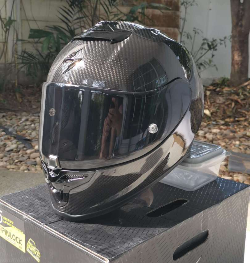 Scorpion Exo-R1 Carbon Helmet, Size M, almost new