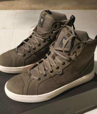 Brand new Revit Arrow shoes, Size 43