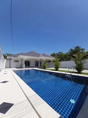 Modern 2 bedroom pool villa in Pattaya City