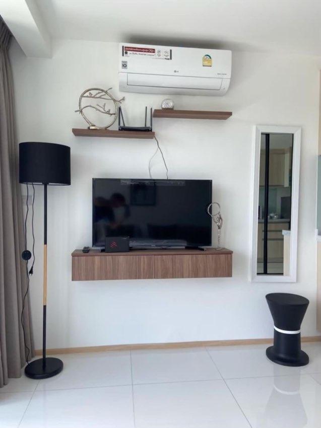 Beautiful Studio Unit Condo For Sale in Bangsaray