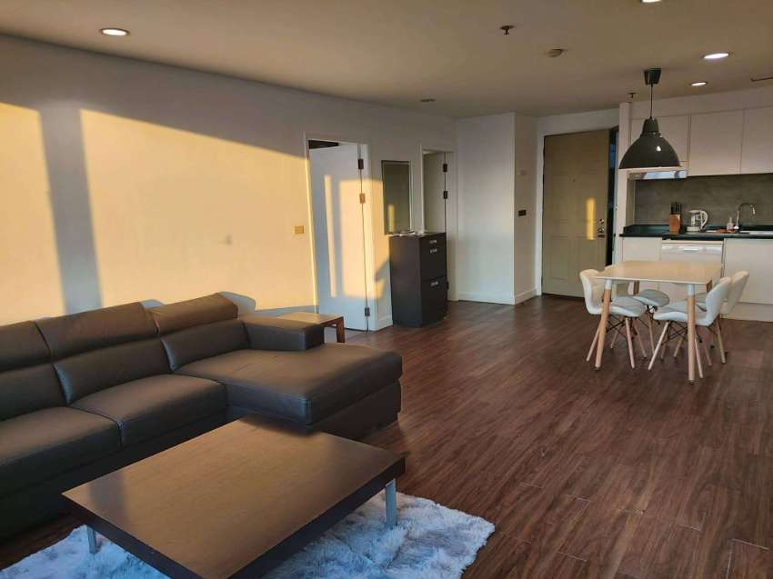 Luxury condo in the heart of the city. Walk 3 min. to BTS Ratchadamri