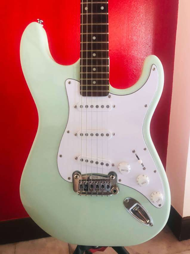 G&L Legacy Tribute : Surf Green