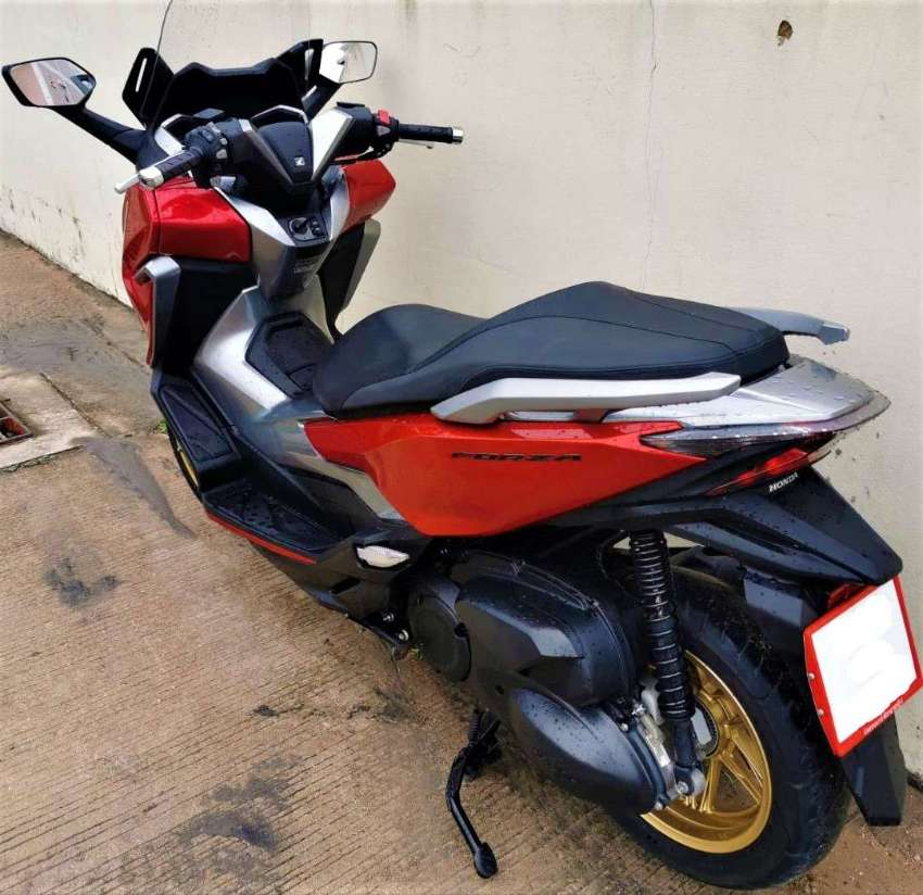 03/2020 Honda Forza 300 7.xxx km 121.900 ฿ Easy finance by shop
