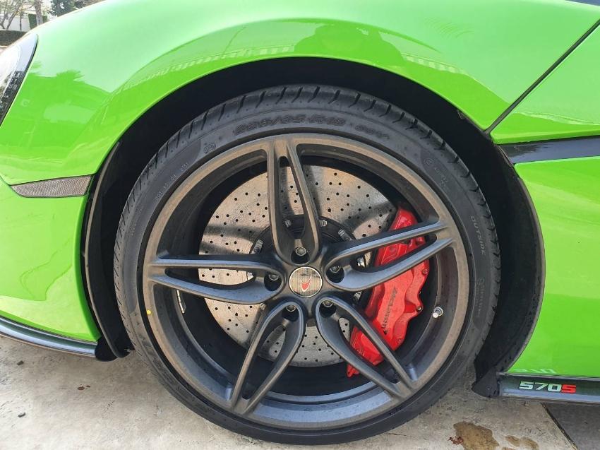 ขาย สปอร์ต ซีรีส์  Mclaren 570s coupe เกียร์ 7 speed สีเขียว ปี2017