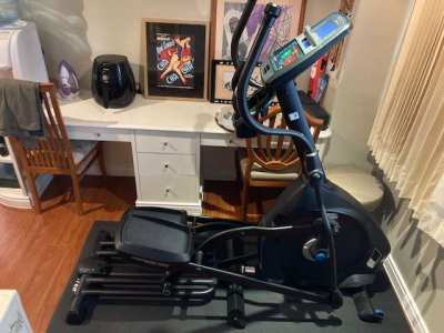 Nautilus Elliptical Machine