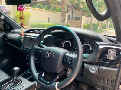 Toyota Revo Rocco 2.8 AT