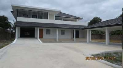 Pool villa with 4 bedrooms for sale