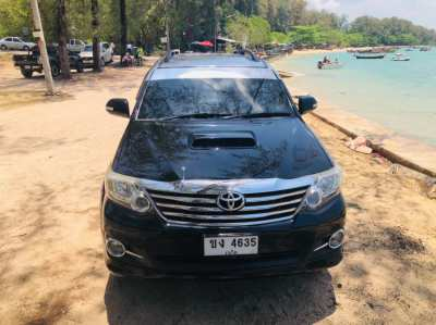 Fortuner Special Edit 3,0 D like new, no accident, serviced by Toyota