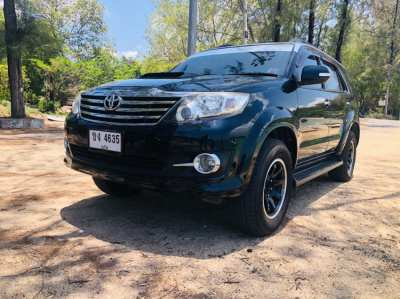 Like NEW Fortuner 3,0 Diesel LAST Edition DOUBLE AirCon