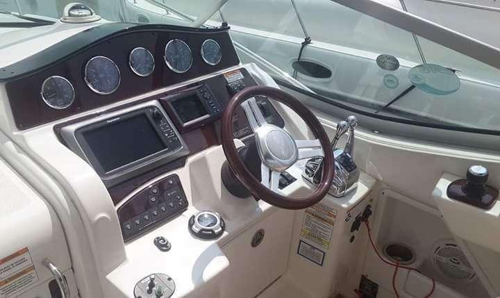 SeaRay Sundancer 330