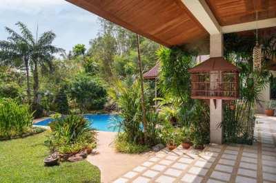 Chalong Four Bedroom Very Nice Pool Villa
