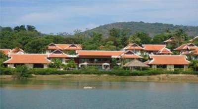 Beautiful 7 bedroom  Lake Villa in Nai Harn