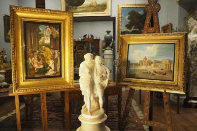 Antiques collector/business partners needed