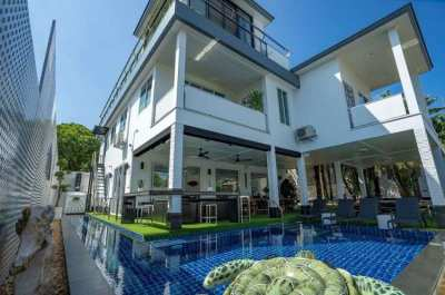 A Sea View 7 Bedroom for Sale or Rent