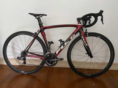 FUJI SST 1.3 Ultegra Di2 Carbon Road Bike