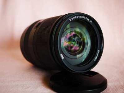 Sony E 18-200mm f3.5-6.3 OSS SEL18200 Black lens