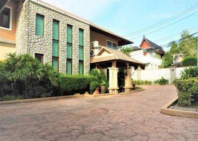 Luxury pool villa for sale