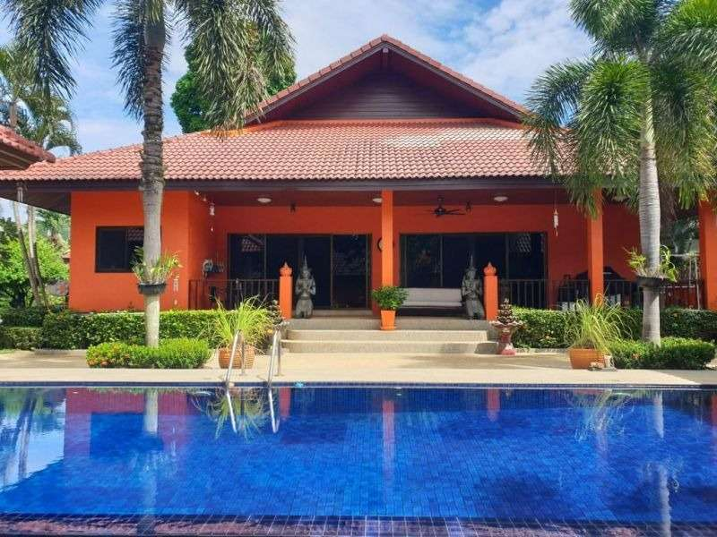 A 3 Bed pool villa now reduced for sale