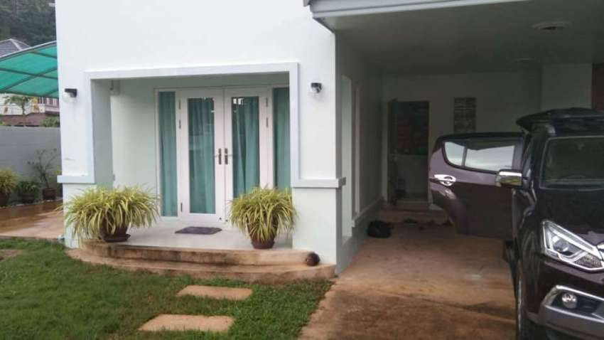 3 bedroom pool house for sale