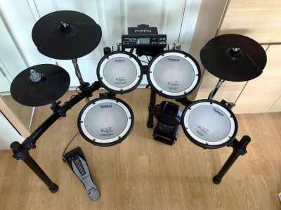 Roland TD4 Mesh Drum Set