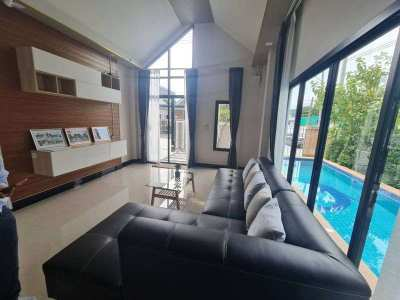 House for sale East Pattaya with private swimming pool soi.Siam.