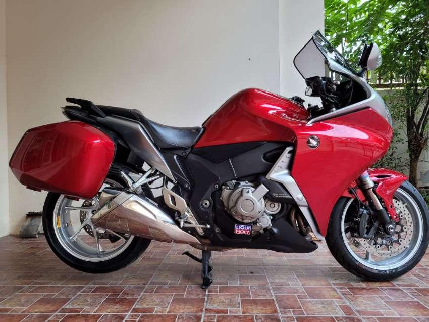 *** REDUCED ***2012 HONDA VFR 1200F DCT