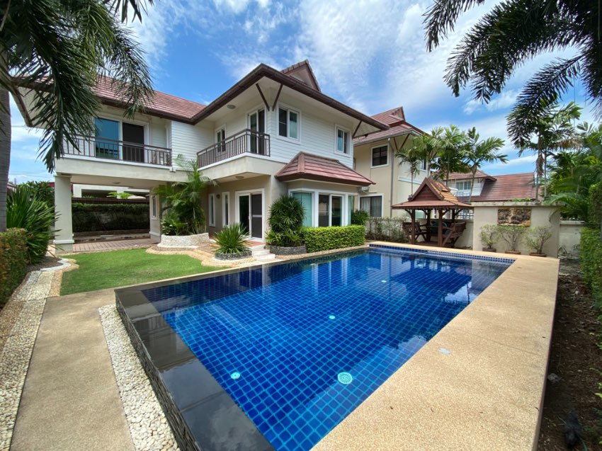 Nicely presented 3 bedrooms pool villa