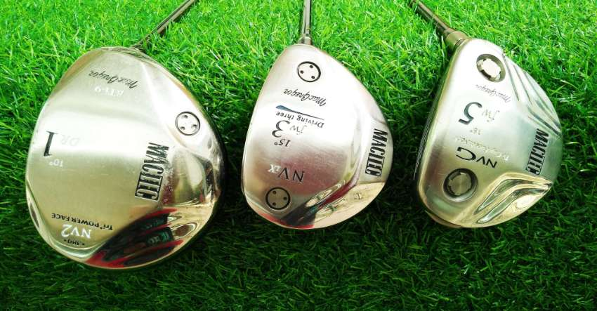 Full set of Macgregor golf clubs in bag, FREE shipping