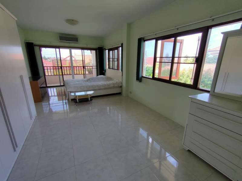 Hot! Reduced Priced Fully Furnished 3 BR 3 Bath Home on 660 sqm. Plot