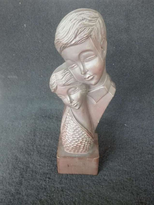 Vintage Lovers Carved Busts