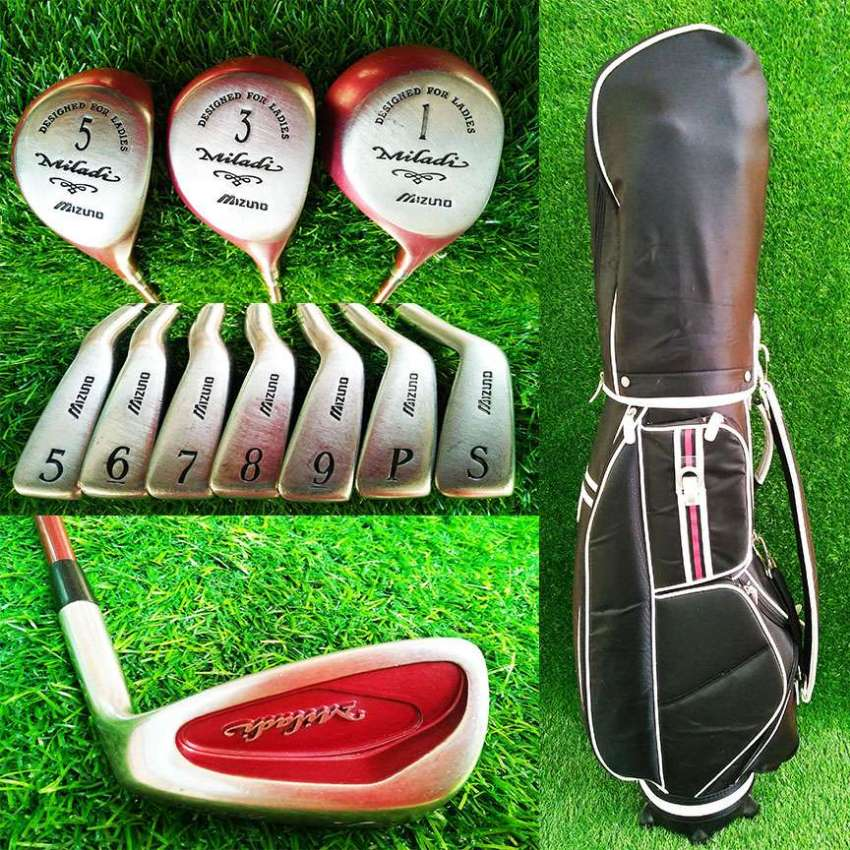 Set of Ladies Mizuno Maladi golf clubs in bag.