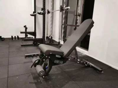Adjustable bench (flat, incline, decline, 7 positions)